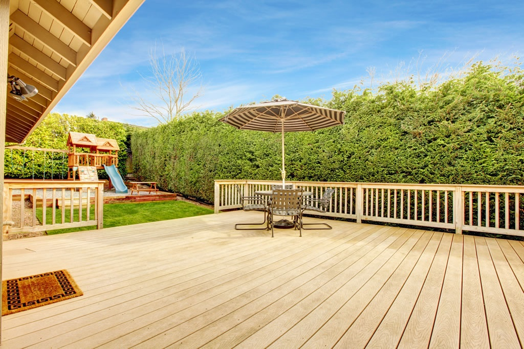 What\'s Right For Your Garden: A Stone Patio Or Decking? | | The ...